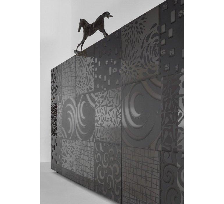 Bahut design anthracite laqué avec motifs MARANELLO