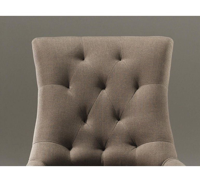 Chaise capitonnée tissu taupe style charme CONSTANCE