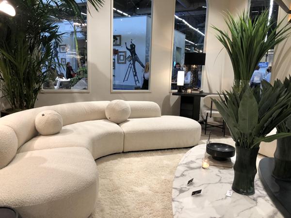 Canapé blanc au Salon Maison et Objet